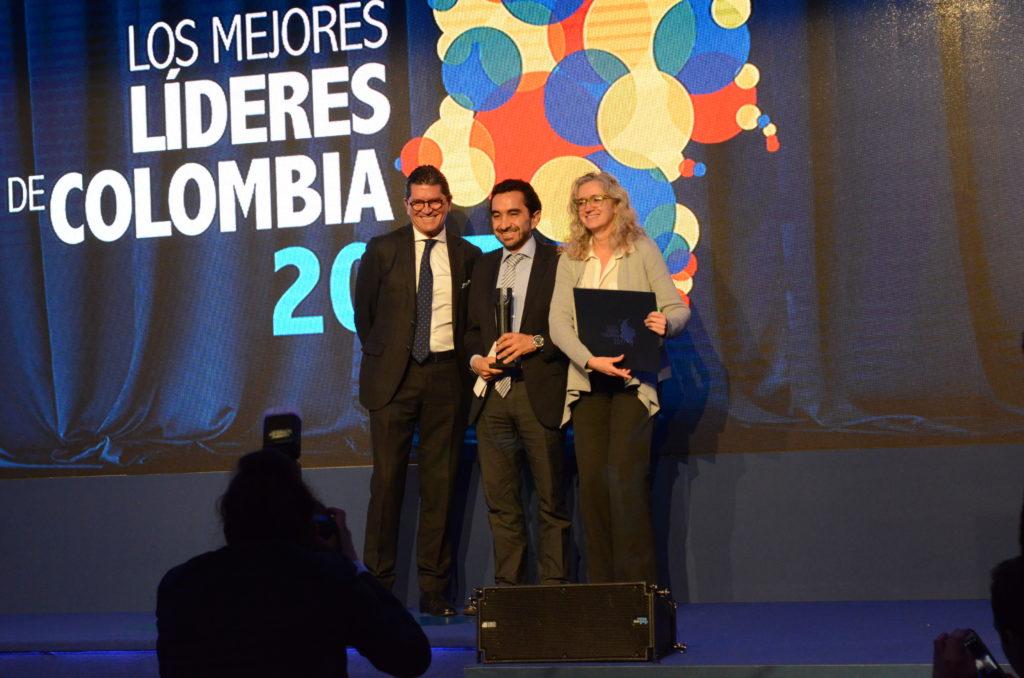 César Rodríguez Garavito y Vivian Newman, director y subdirectora de Dejusticia, reciben el Premio al Liderazgo Colectivo de la Revista Semana 2017.