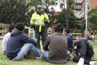 Policía, espacio público, alcohol, código de policía