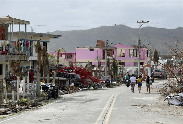 Habitantes de Providencia, la isla más afectada del Archipiélago, del que hacen parte también las islas de San Andrés y Santa Catalina, sobreviven en condiciones precarias tras la destrucción que dejó el huracán Iota.